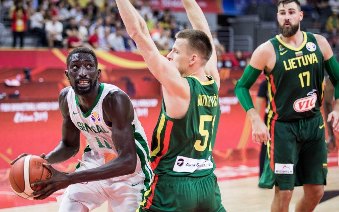 Szenegál – Litvánia (negyedek pontos eredménye: 0-4) 2,30